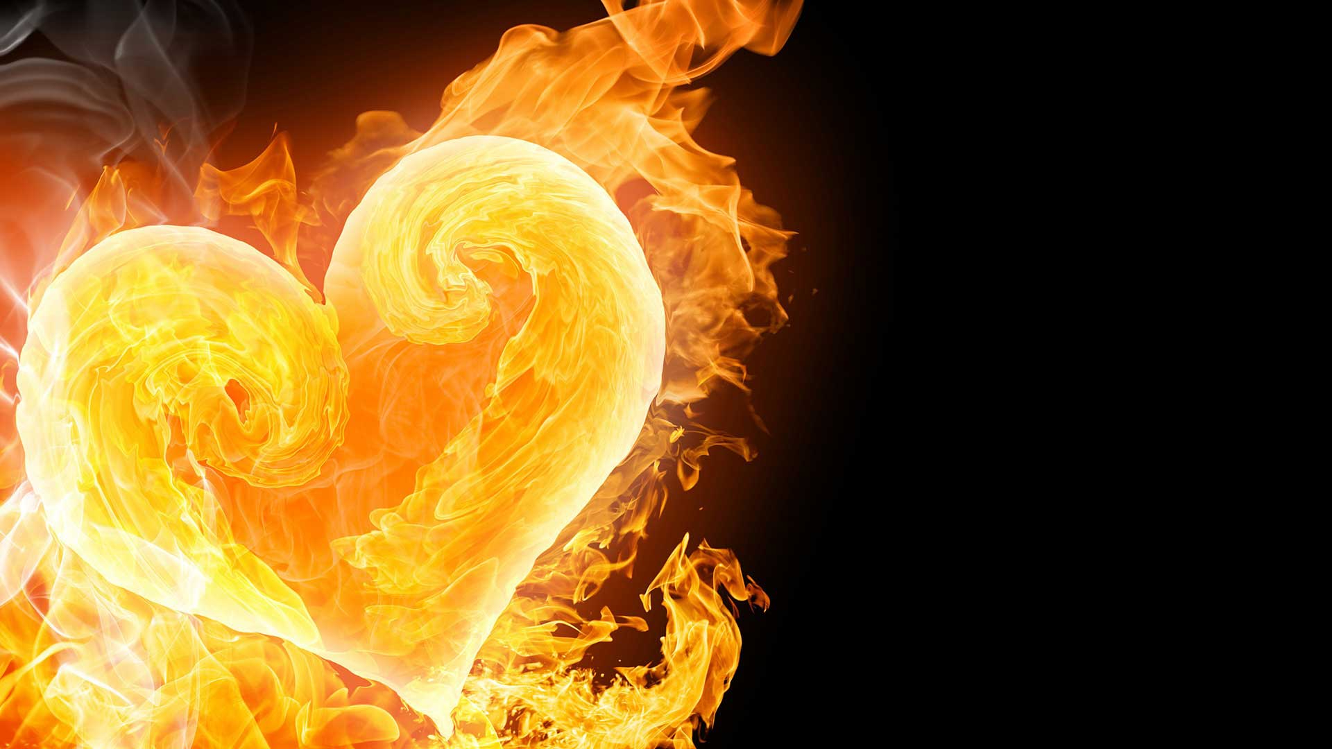 Огонь, свет и яркие краски на фестивале «Горячее сердце»